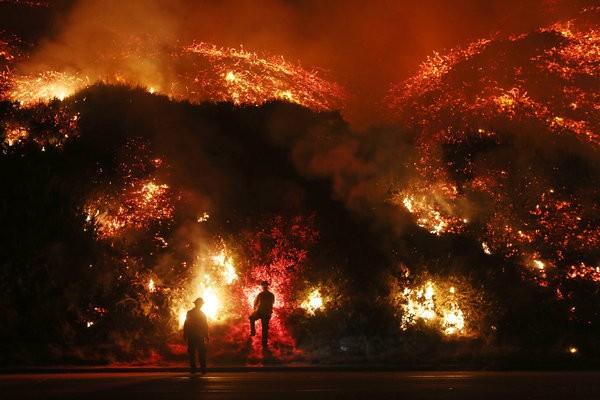 چه مکان هایی از زمین از فضا قابل رویت است: آتشسوزی