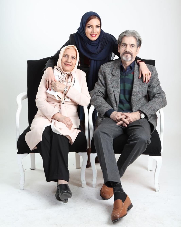 عکس متین ستوده با پدر و مادرش