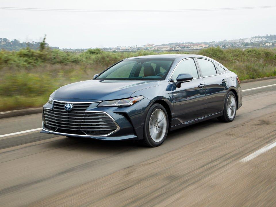 10 خودرو برتر در سال 2019: Toyota Avalon Hybrid