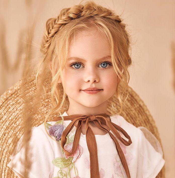 60 مدل از جدیدترین ژست عکس کودک دختر در منزل و طبیعت