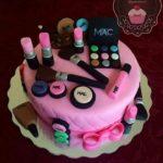 زیباترین کیک لوازم آرایش به مناسبت روز دختر