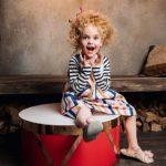 شیک ترین ژست عکس کودک در آتلیه عکاسی