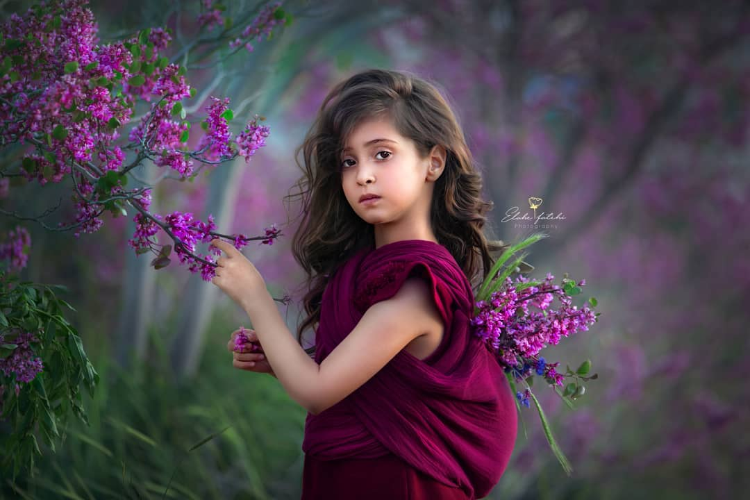 ژست دختر بچه زیبا