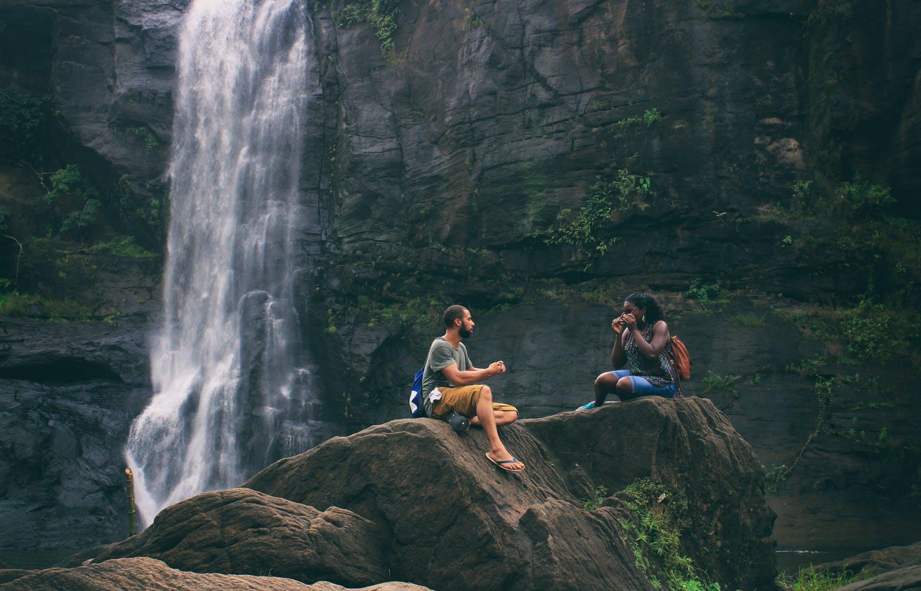 عکس عاشقنه دختر و پسر در طبیعت