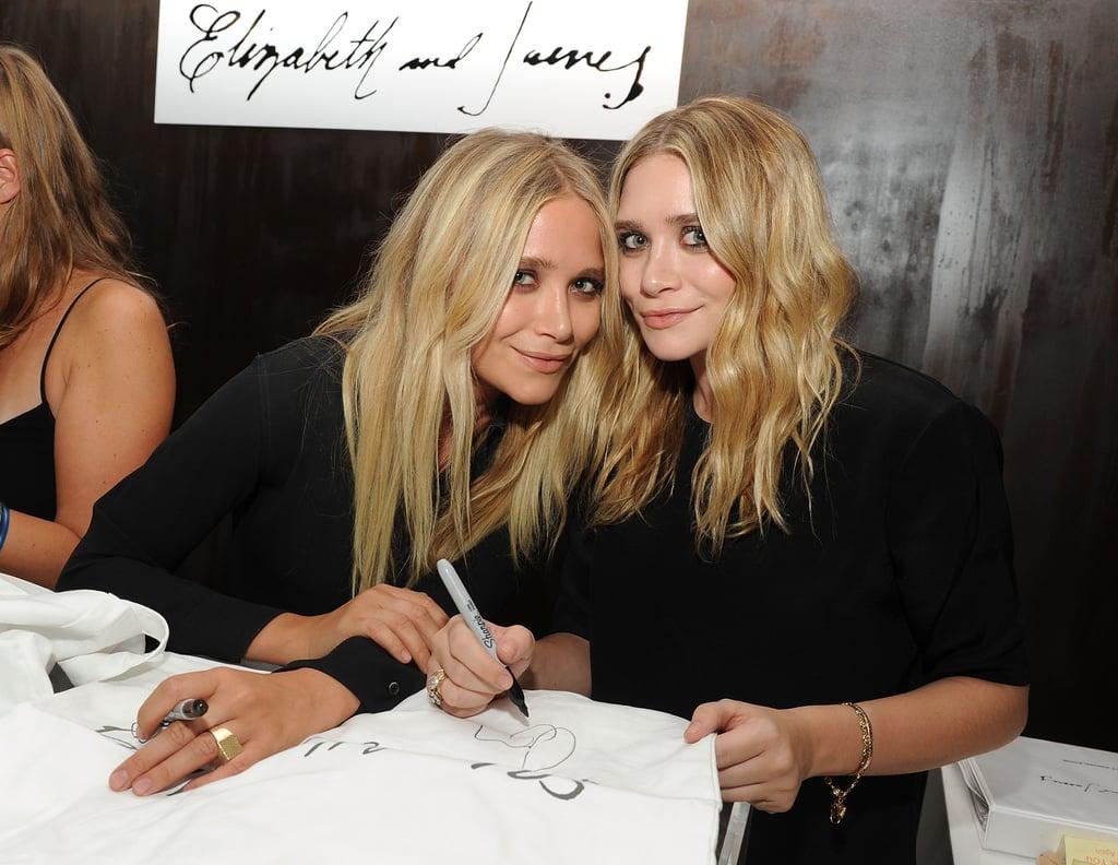 Mary-Kate Olsen در حال امضا با دست چپ