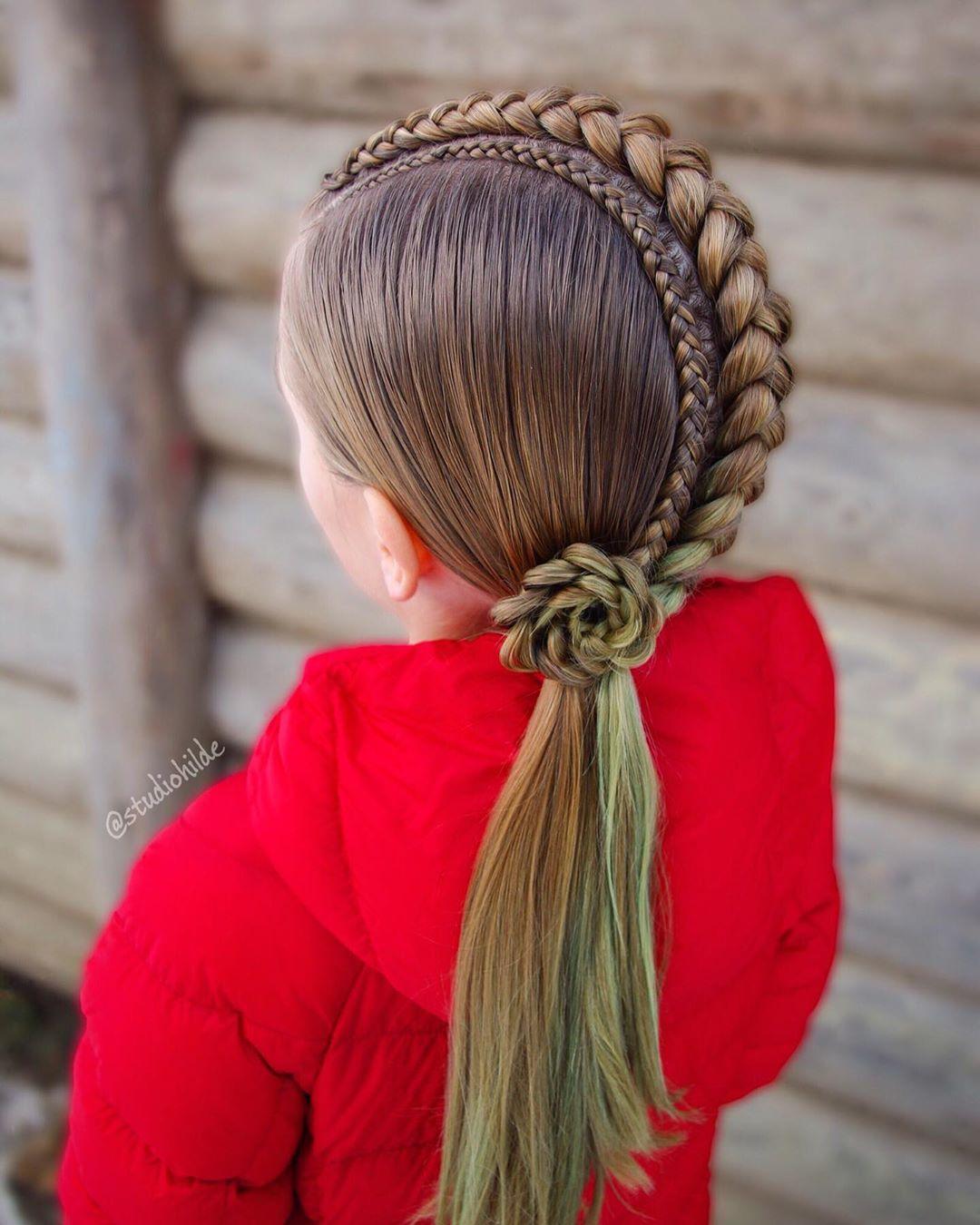 بافت مو دخترانه فرانسوی وسط سر