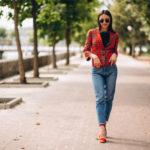 مدل ژست عکس دخترانه در خیابان