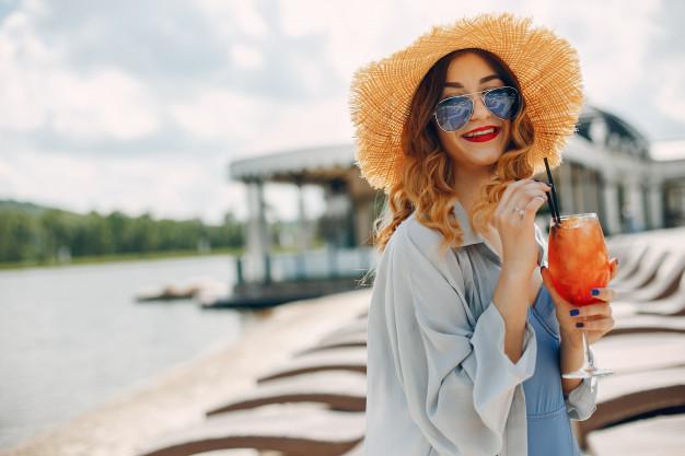 جدیدترین والپیپر دخترونه تابستونی شاد برای موبایل