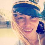 امیلیا کلارک و کلاه خلبانی