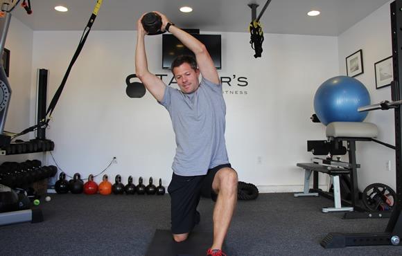 8 تمرین برای تقویت قدرت بدنی و آمادگی جسمانی در ورزش شنا: تمرین با کتل بل