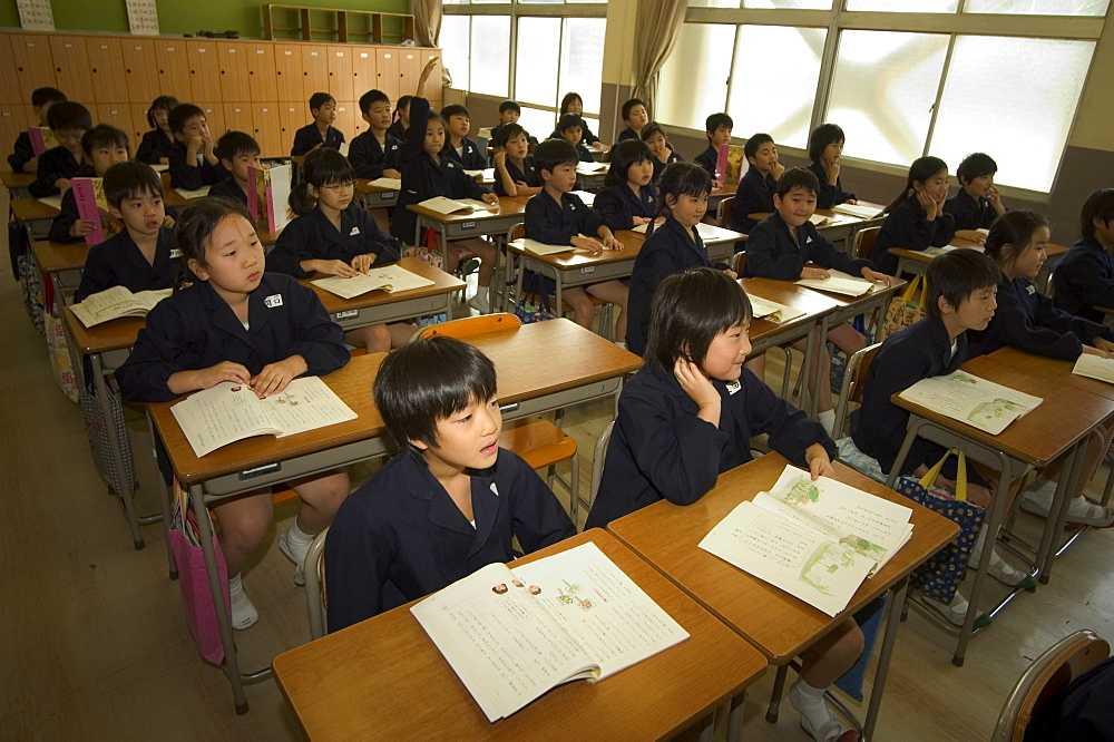 عکسهایی از کلاس های درس ابتدایی در کشور ژاپن