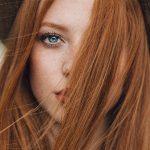 دختر مو قرمز