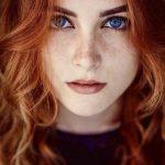 عکس پروفایل دختر با موهای قرمز