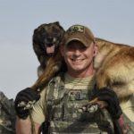 عکس سگ به همراه پلیس