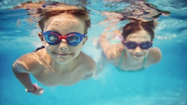 بهترین رشته ورزشی برای کودکان: شنا