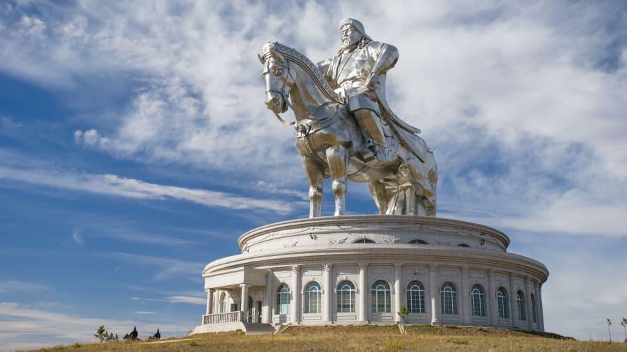 توریستی ترین جاهای دنیا در سال 2020: اسب سوار چنگیز خان، مغولستان