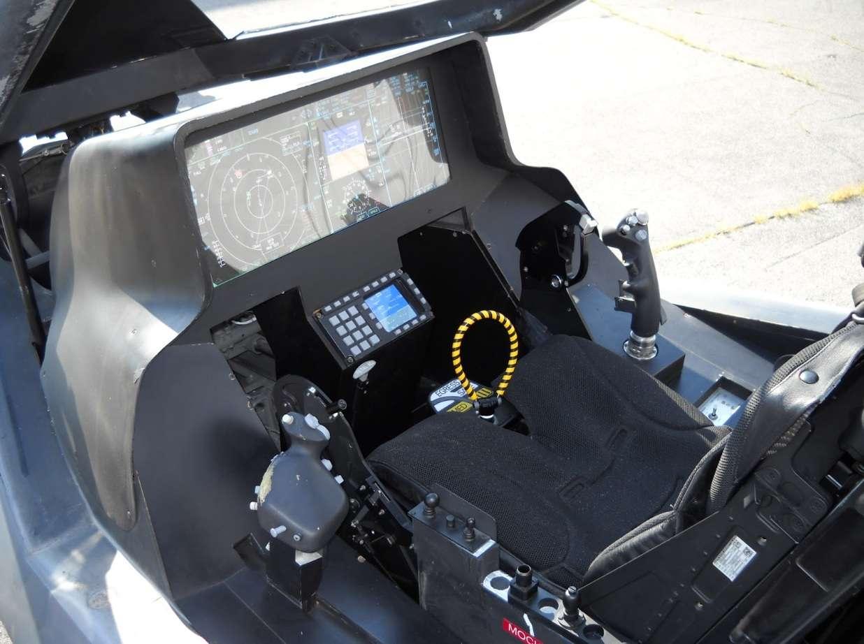 کابین شیشه ای هواپیما جنگنده f35 امریکایی