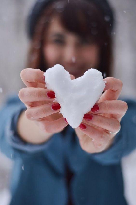 مجموعه بی نظیر عکس قلب برفی زیبا و رمانتیک برای پروفایل زمستانی عاشقانه