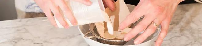 آموزش ساخت اسلایم Glooze با شیر و سرکه