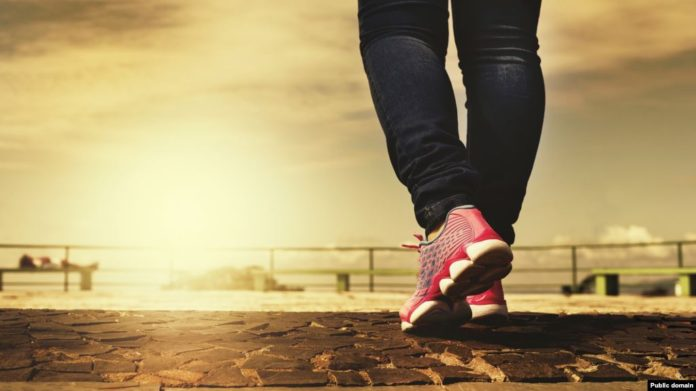 روزانه 15 دقیقه پیاده روی کنید برای نجات اقتصاد دنیا