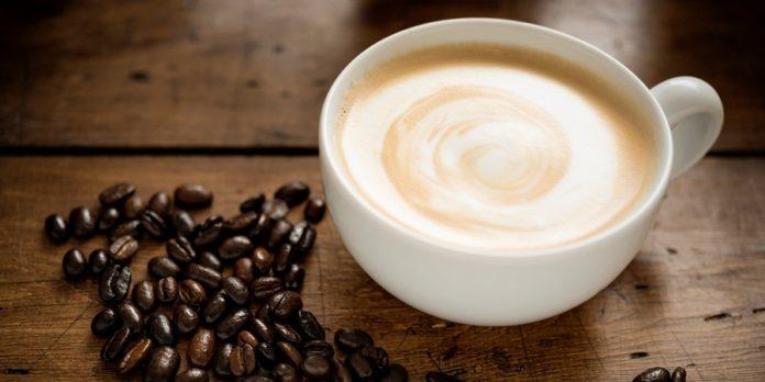 قهوه سفید چیست؟ مزایا و روش دم کردن قهوه سفید