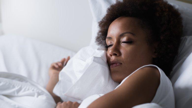 خواب کافی برای داشتن پوستی صاف و شاداب
