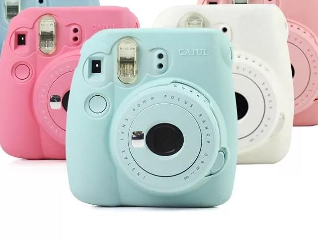 دوربین عکاسی 4. Fujifilm Instax Mini 9 Instant Camera