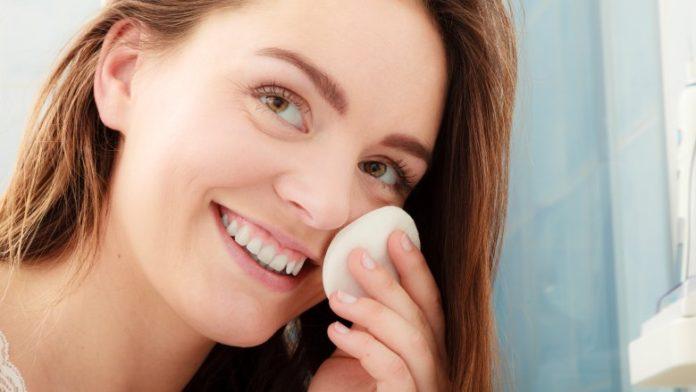 10 کار بسیار مهم برای داشتن پوست صاف و سفید؛ بدون لک و بدون جوش