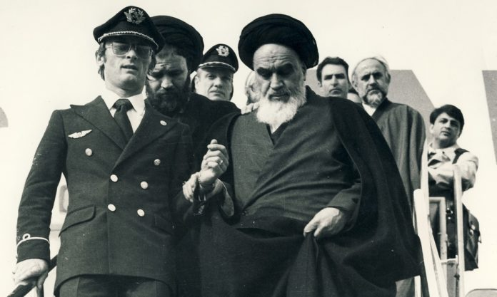 An Essay on Imam Khomeini's Return to Iran