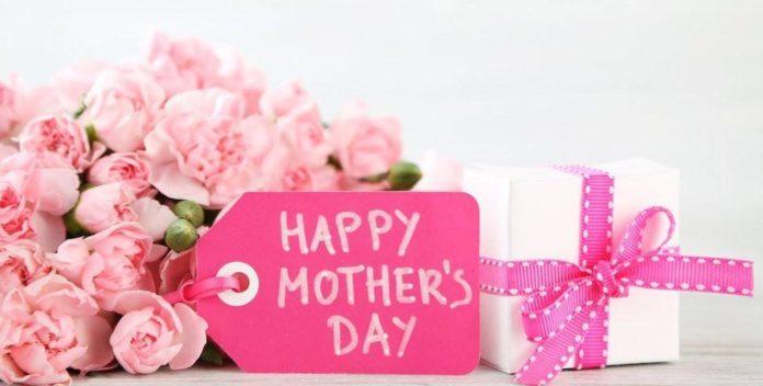 بهترین هدیه برای روز مادر چیست؟ ۱۰ ایده فوق العاده برای کادوی روز مادر