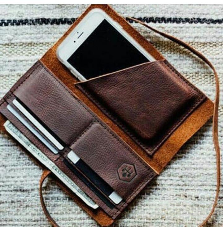 هدیه کیف پول کاربردی ترین ایده کادو روز مرد
