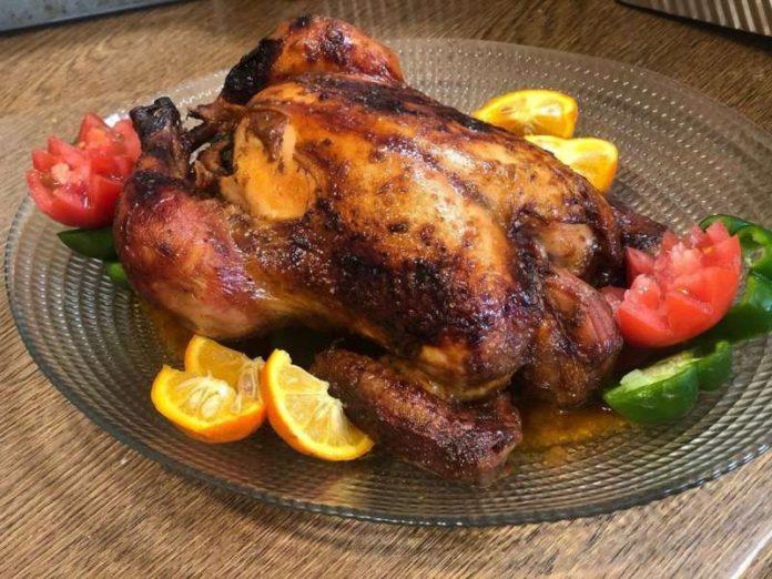 طرز تهیه مرغ شکم پر خوش مزه با رب انار در فر