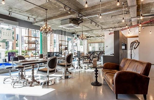 هفتمین ایده برای افزایش درآمد آرایشگری و انجام خدمات آرایشی