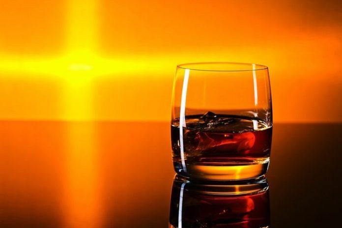 رابطه کرونا و مصرف مشروبات الکلی!!