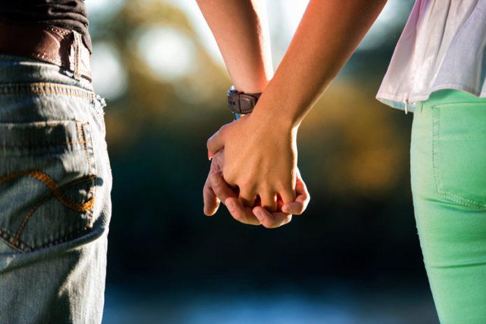 ۱۵ نمونه از آن مواردی که زنان در یک رابطه از طریق مردان نیاز دارند