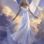 فرشته بالدار در آسمان