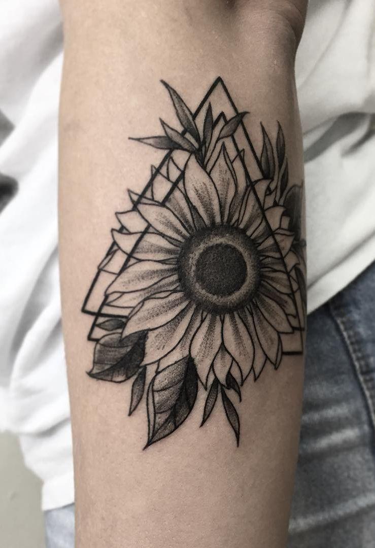 تتو گل آفتابگردان