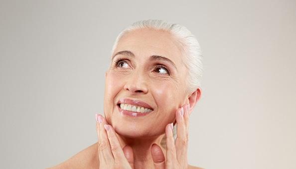 علائمی که نشان می دهد پوست به جوانسازی نیاز دارد