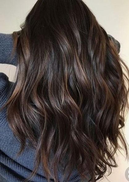 5 روش رنگ کردن مو با پوست گردو تازه