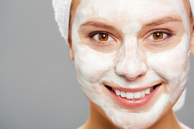 آیا خمیردندان برای درمان جوش صورت خوب است؟