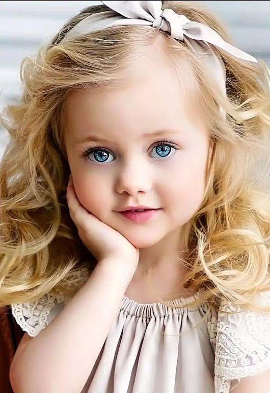 متن ادبی زیبا در وصف لبخند کودک برای کپشن اینستاگرام