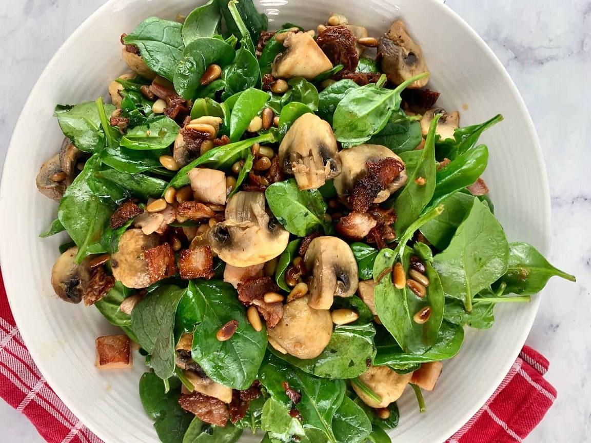 طرز تهیه خوراک اسفناج و قارچ برای شام