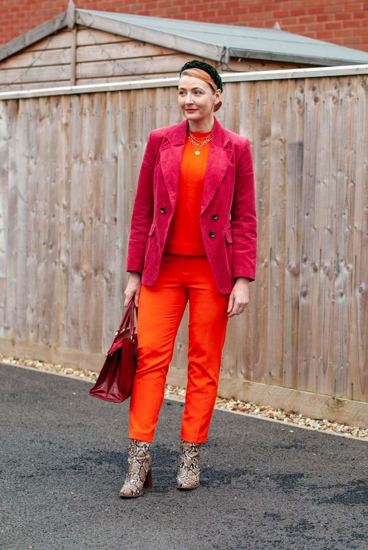 ّبا رنگ نارنجی چه رنگی بپوشیم؟