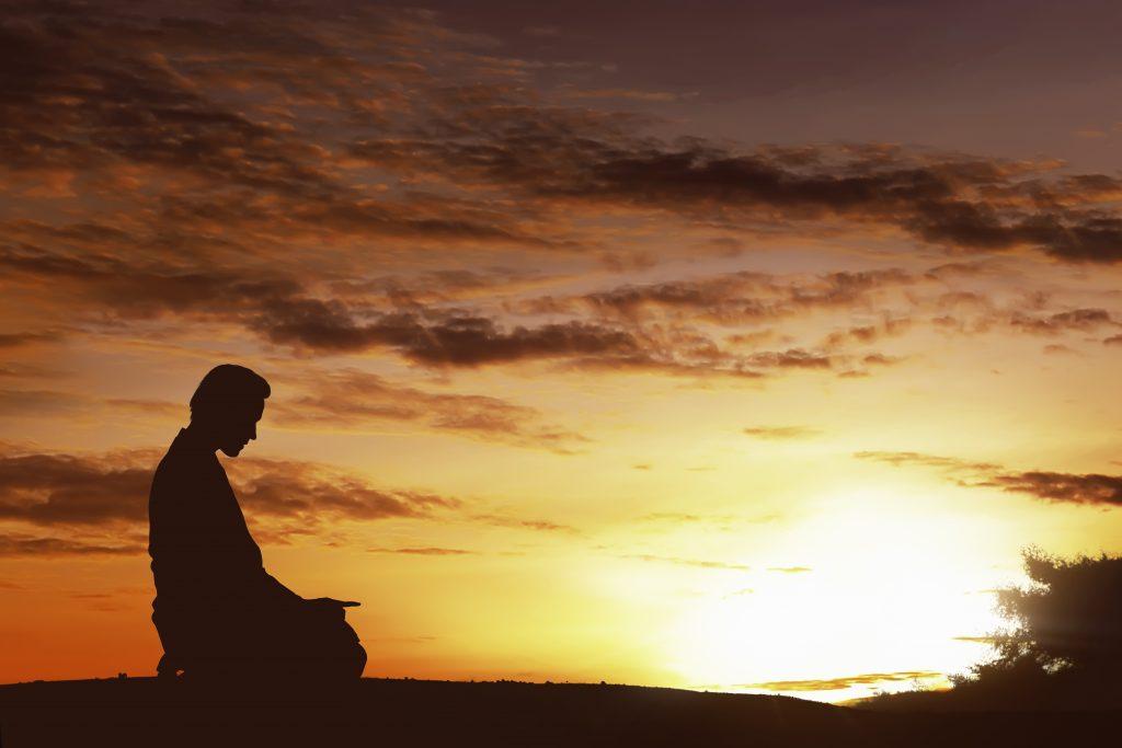 نحوه خواندن نماز حاجت روز یکشنبه