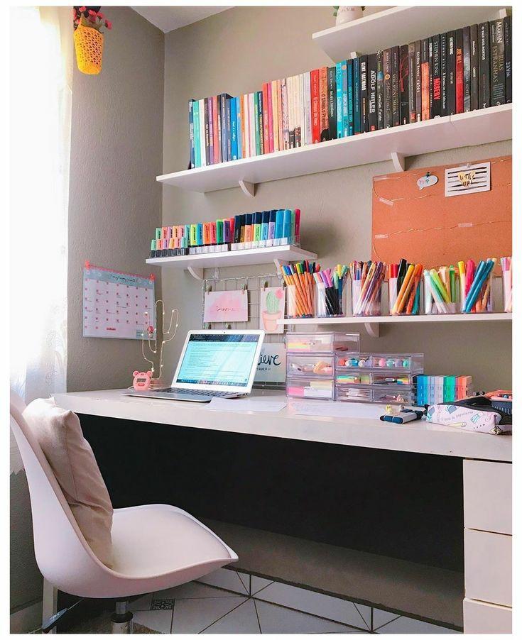 ایده ای برای میز تحریر و اتاق کار زیبا