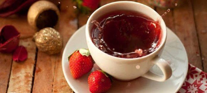 طرز تهیه دمنوش توت فرنگی